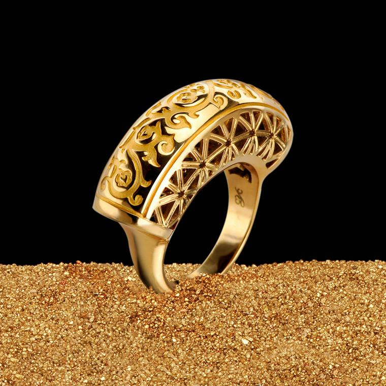 Carrera y Carrera Córdoba gold ring