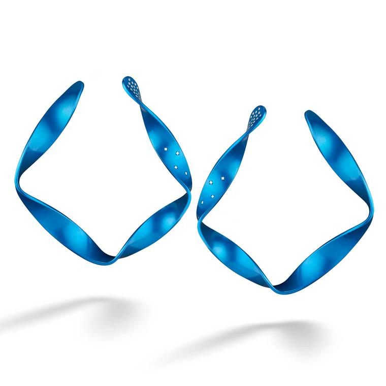 Suzanne Syz blue aluminium hoop earrings
