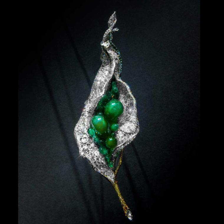 Cindy Chao Black Label Masterpiece emerald Flower Bud brooch