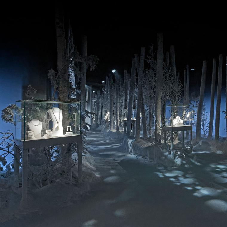 Boucheron's exhibition at Paris Couture for the Hiver Impérial collection