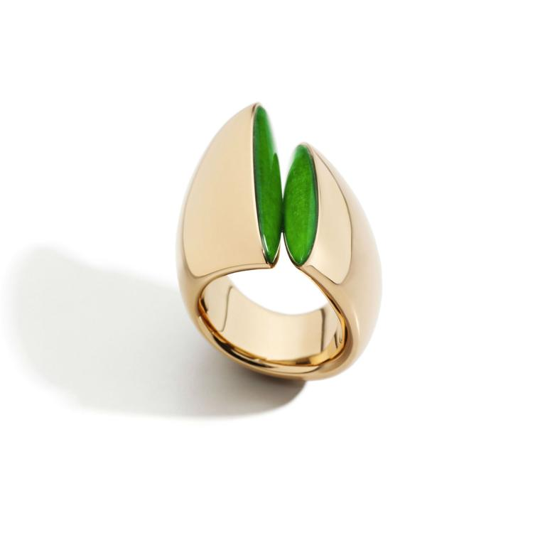 Vhernier Eclipse ring in rose gold and jade