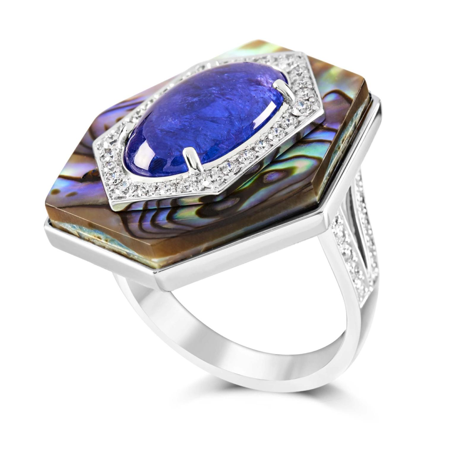 Engagment ring with tanzanite and diamonds from Ananya