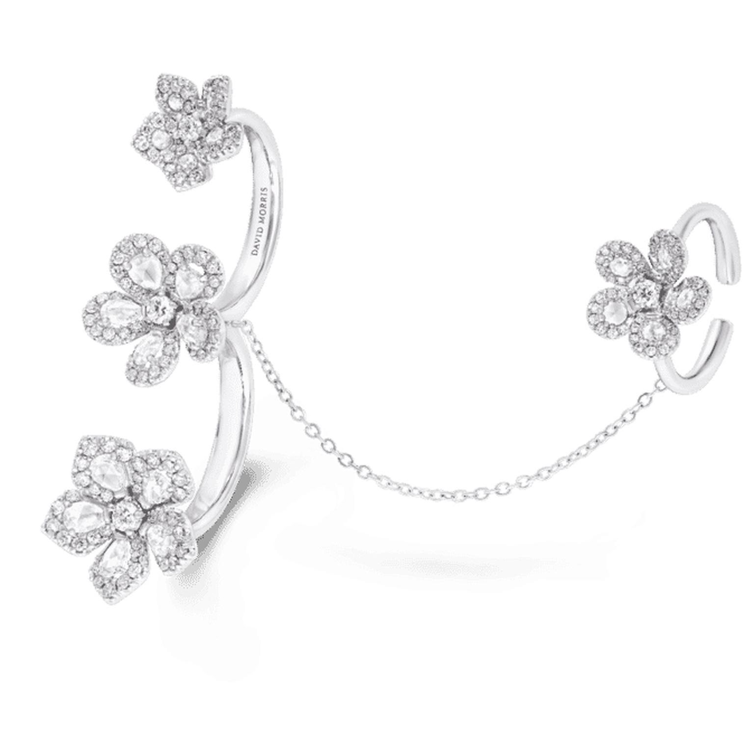 Miss-Daisy-triple-ring-with-chain copy