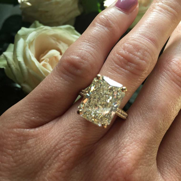 De Beers 11.77ct radiant-cut white W colour VS2 diamond ring
