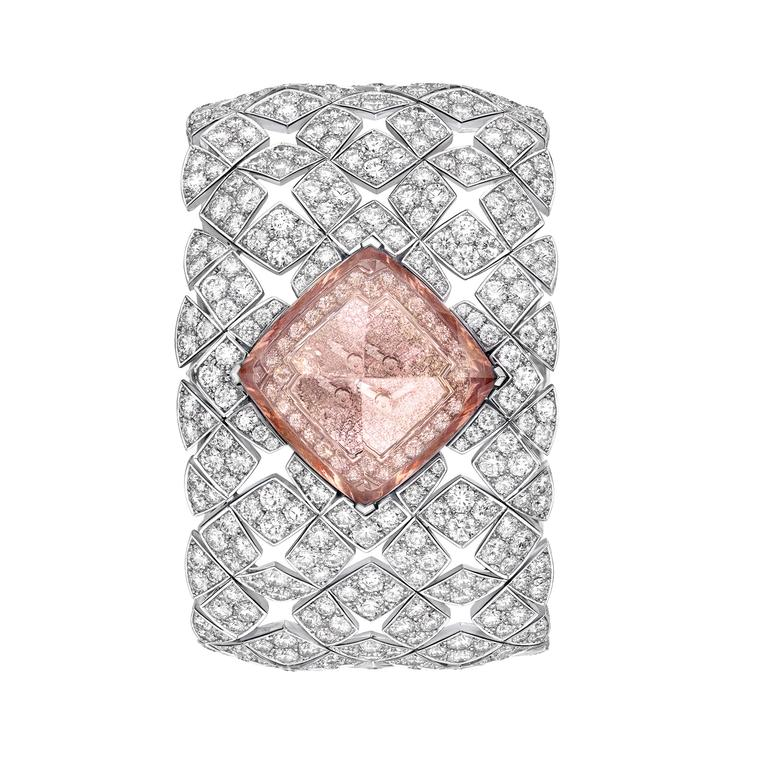 Les Éternelles Signature Morganite secret watch