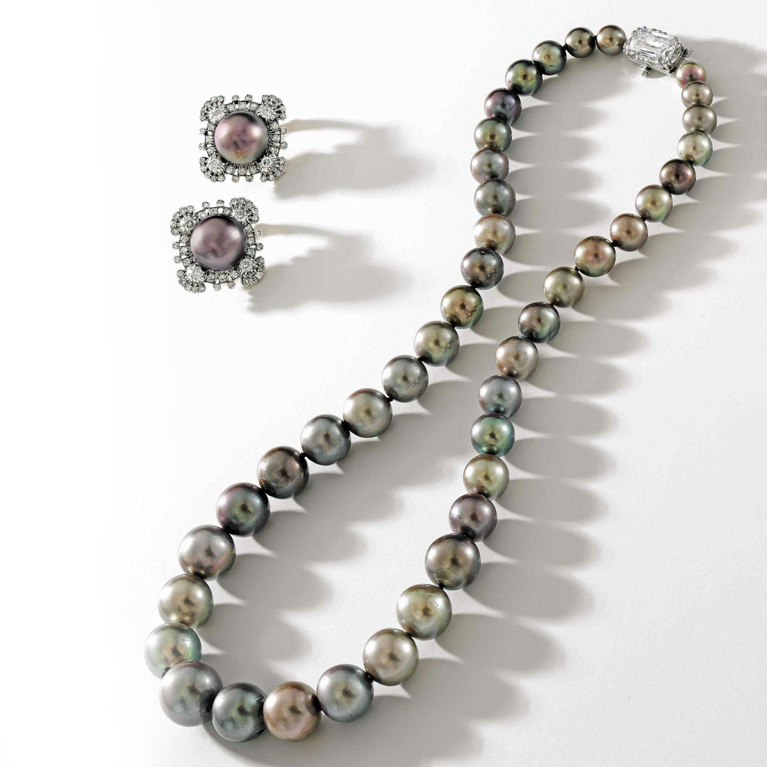 Cowdray Pearls earrings and necklace