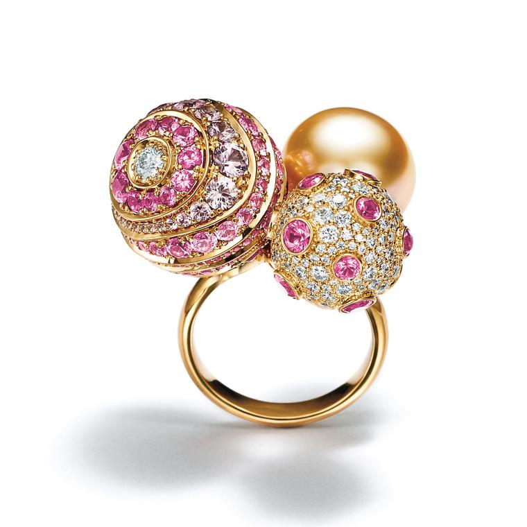 Masterpieces Prism ring with a South Sea pearl, pink sapphires and diamonds