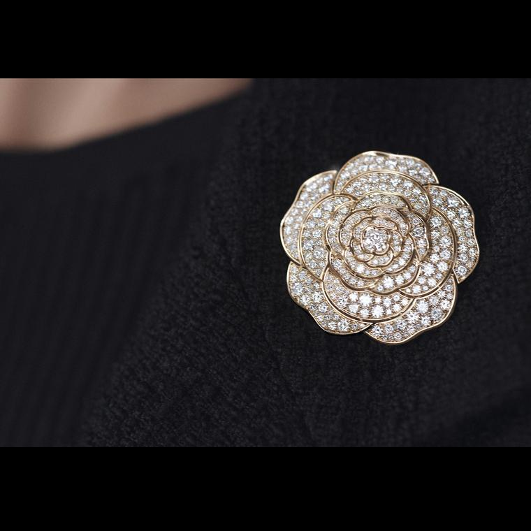 Chanel 1.5Rouge Tentation diamond rose gold brooch large