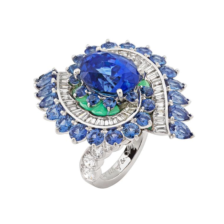 Van Cleef & Arpels Seven Seas Arabian Sea Etoiles ring with Sri Lankan blue sapphires