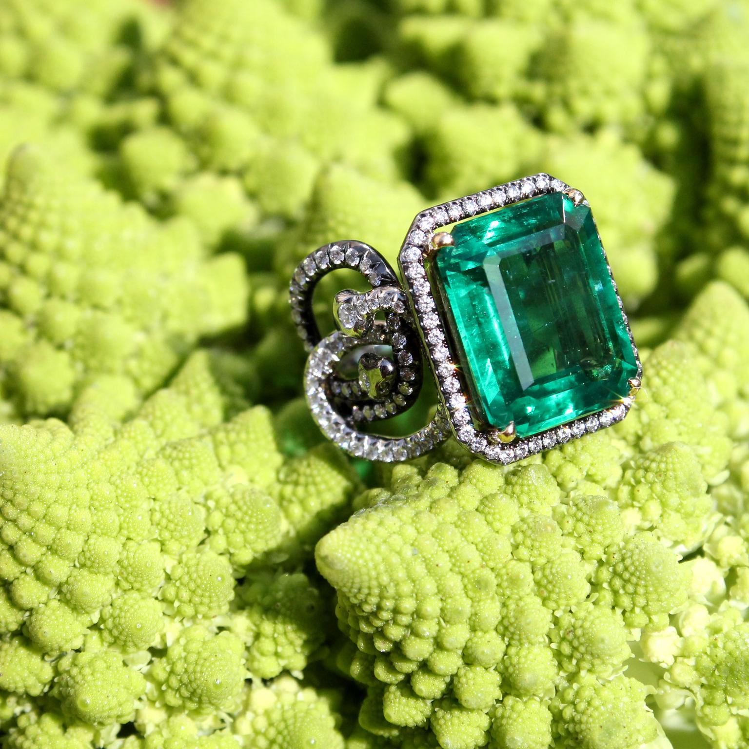 AENEA emerald Sarpa ring