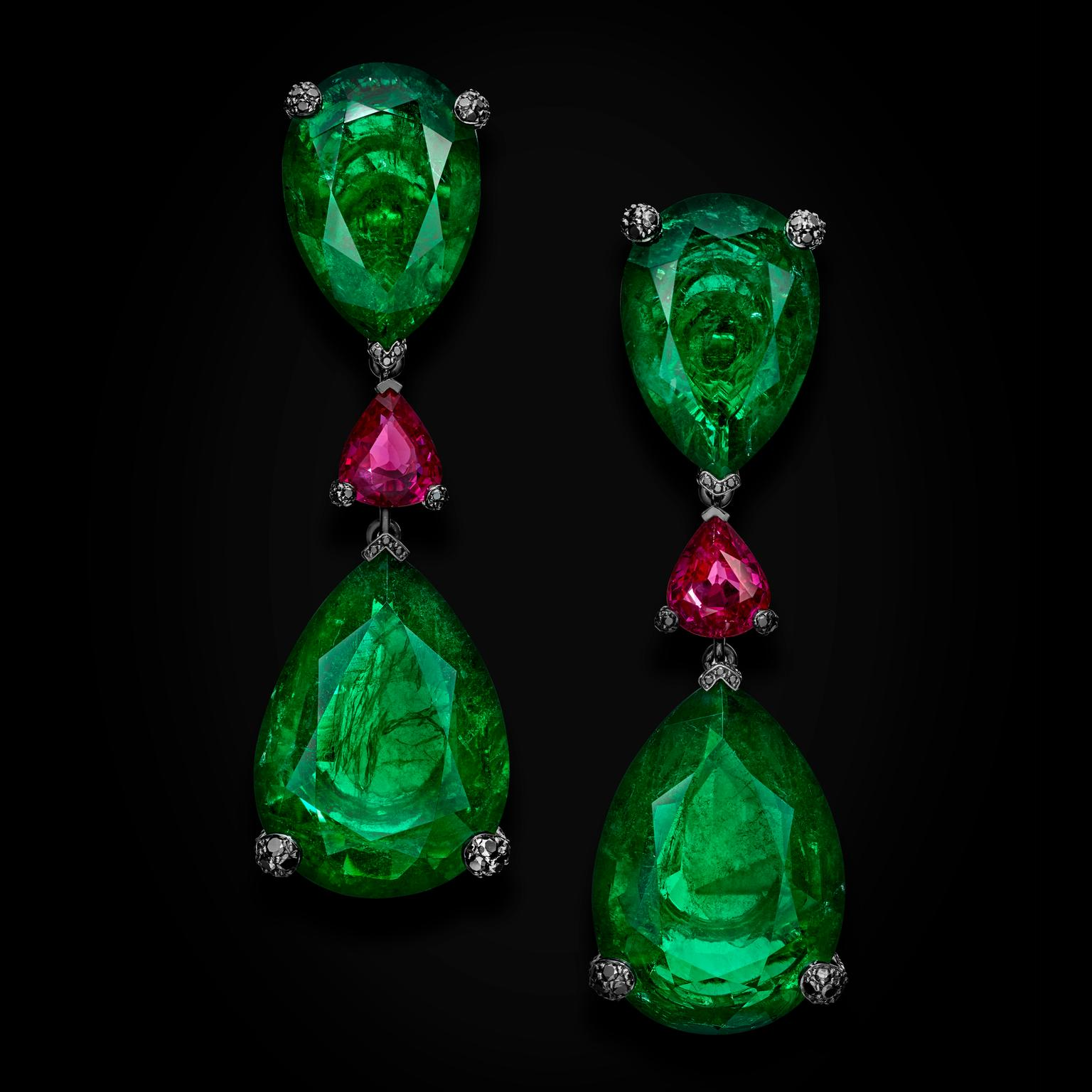 de GRISOGONO Love on the Rocks emerald earrings