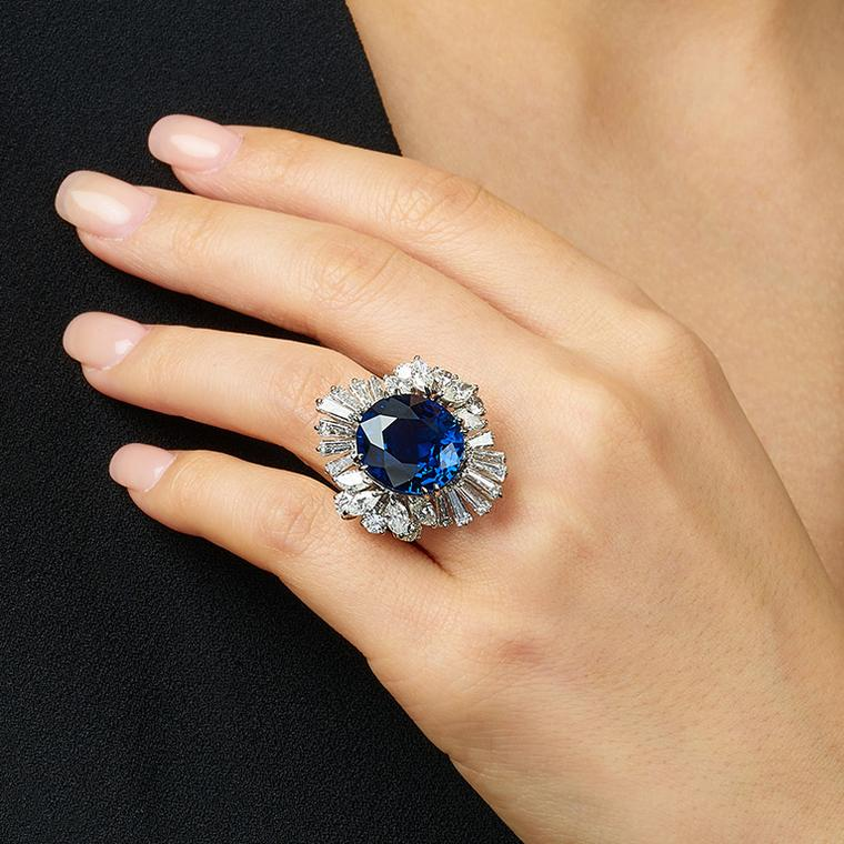 Lot 585 Sapphire ring with diamonds Phillips Auction on model