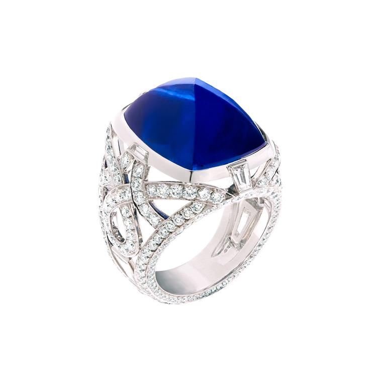 19.43ct cabochon sapphire ring