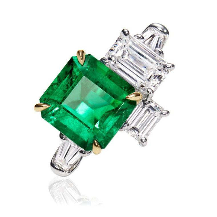 Landmark jewels Harry Winston Central Park emerald diamond ring