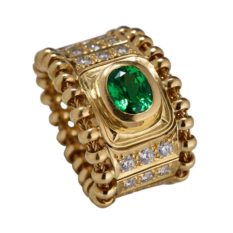 Agincourt tsavorite ring in gold with diamonds