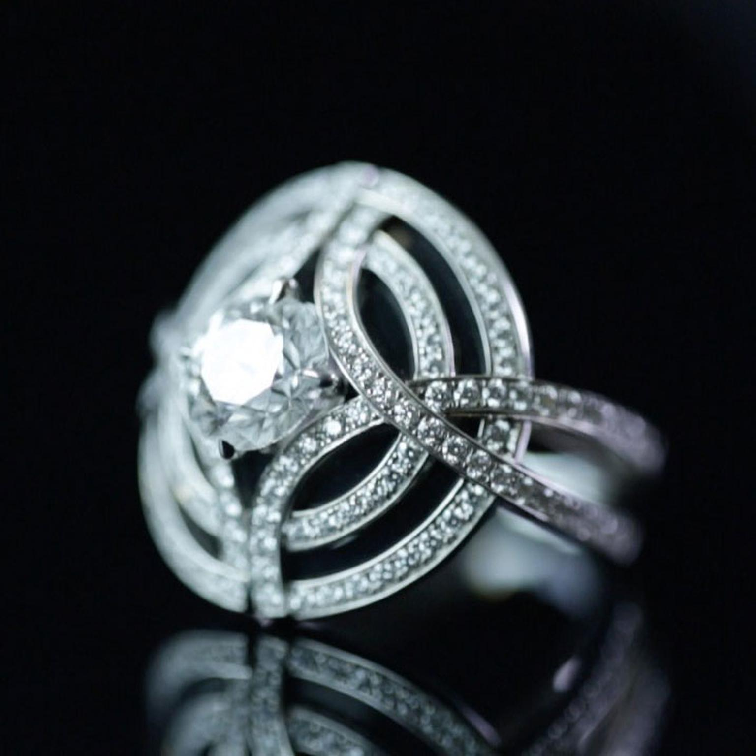 Cartier Galanterie diamond ring