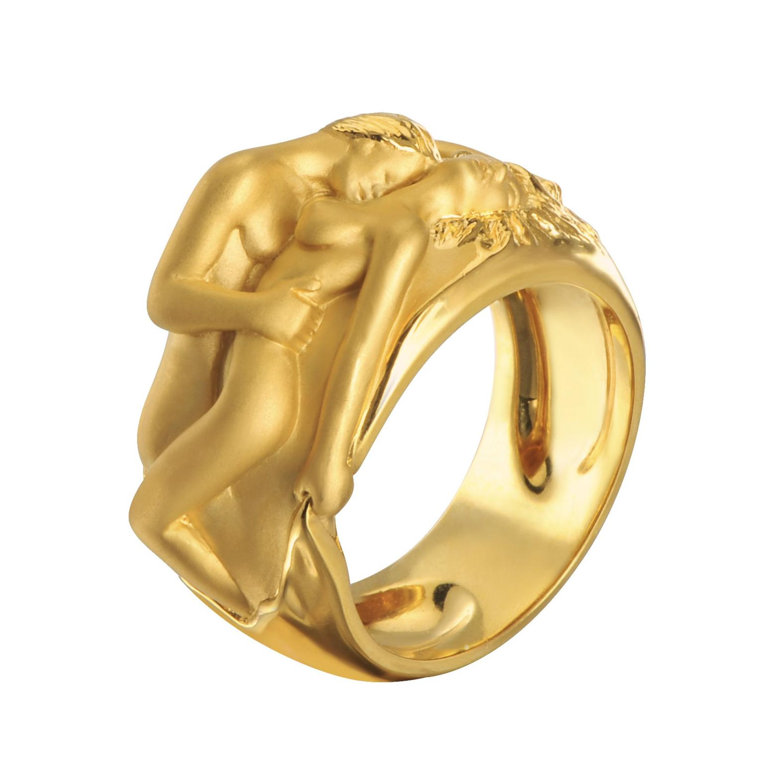 Carrera y Carrera Promesa gold ring
