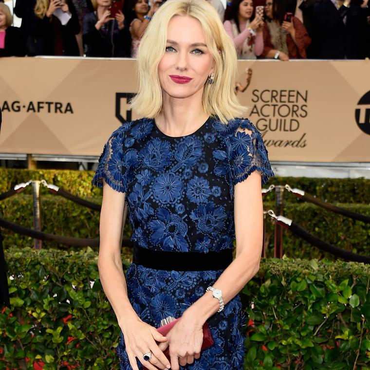 Naomi Watts wearing Bulgari red carpet jewelry