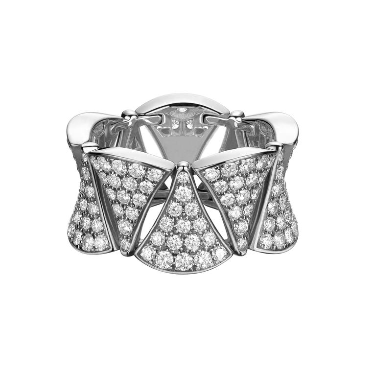 Bulgari Divas Dream ring worn by Ellie Goulding