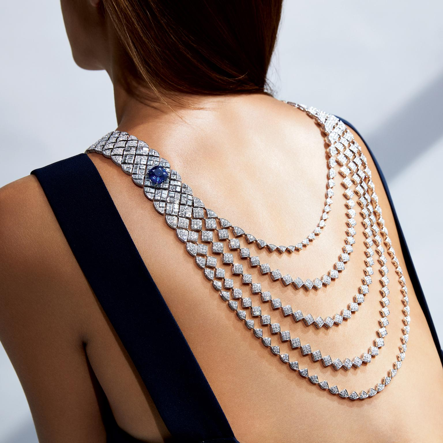 Chanel Signature de Saphir necklace
