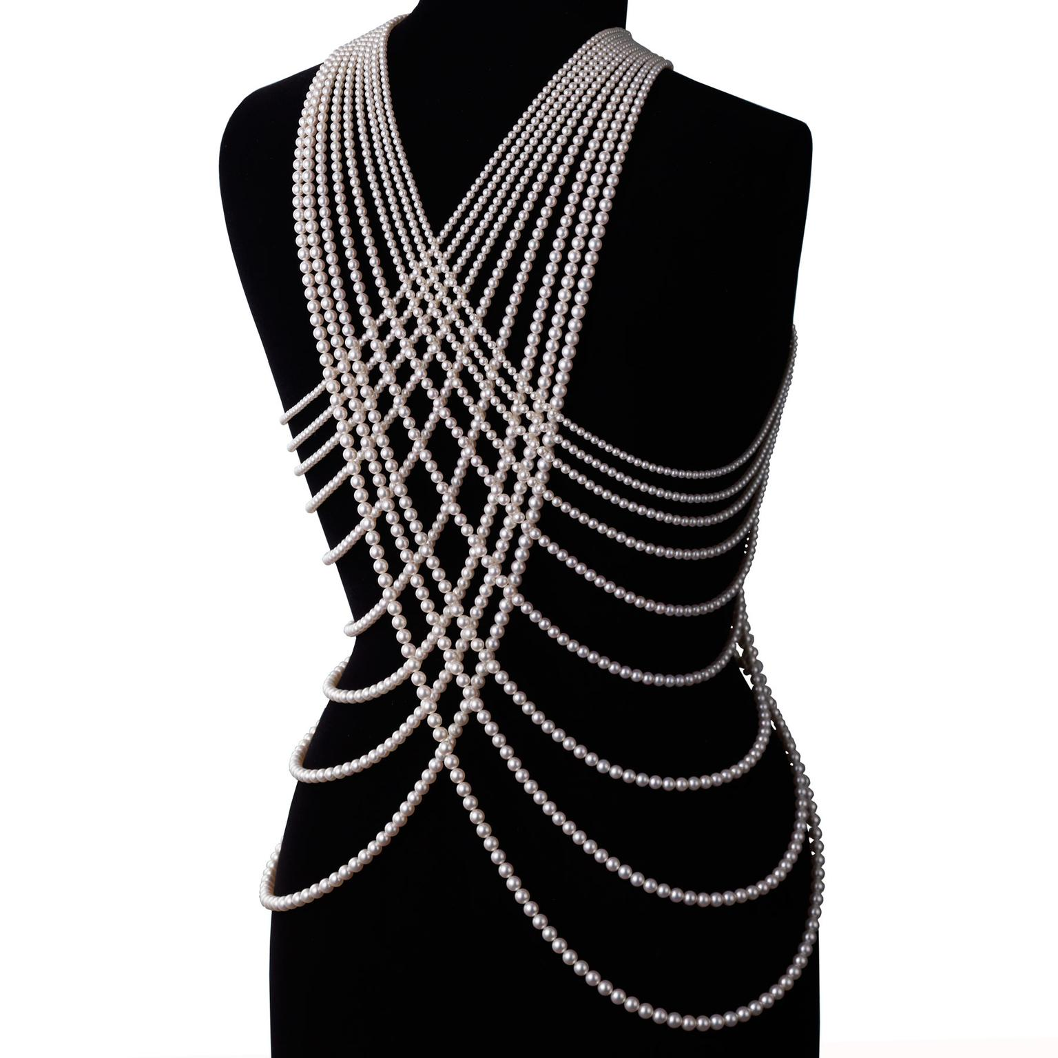 Mikimoto---The-Pearl-Necklace---Body-Jewelry---Back