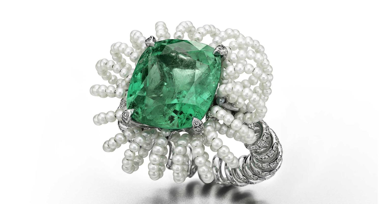 Suzanne-Syz-Picture-Perfect-pearl-and-emerald-ring