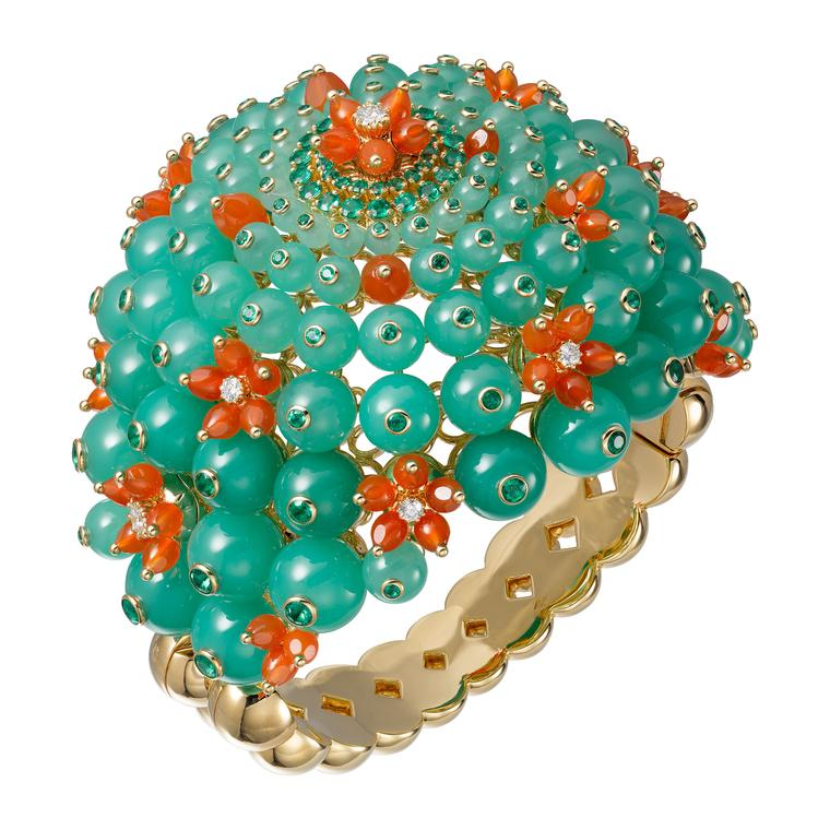 Cactus de Cartier cuff in yellow gold with chrysoprase, emerald and carnelian beads