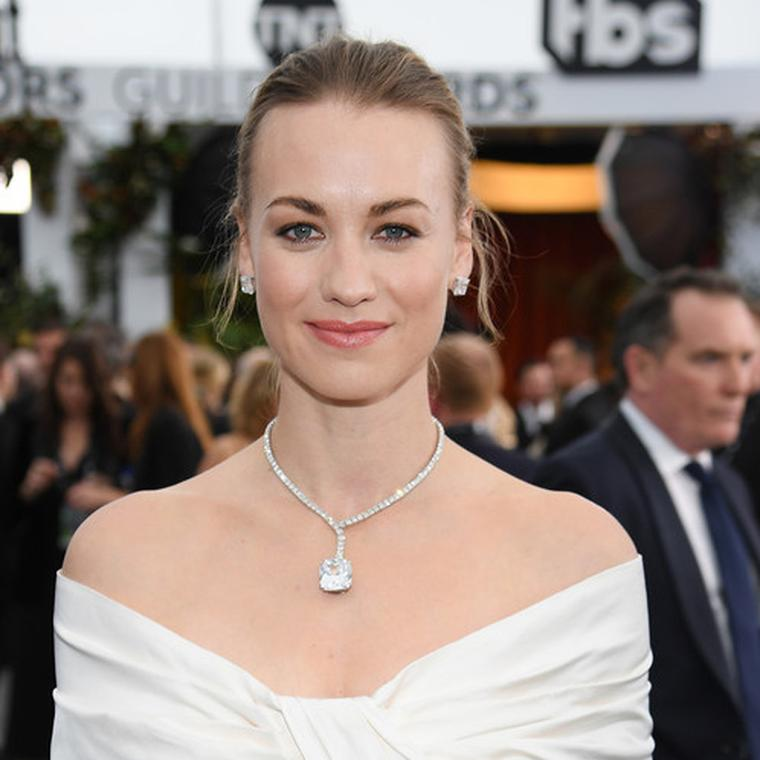 Yvonne Strahovski Harry Kotlar  diamond necklace SAG Awards 2020