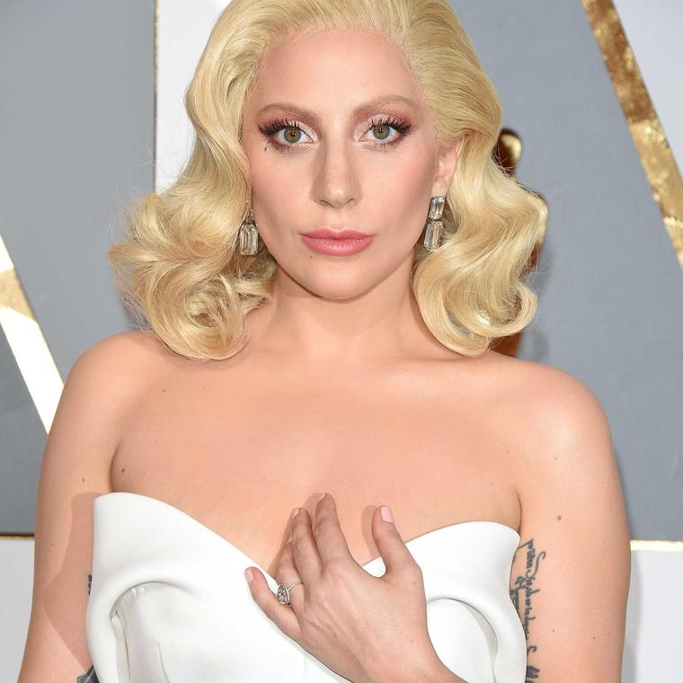 Lady Gaga Oscars red carpet jewelry