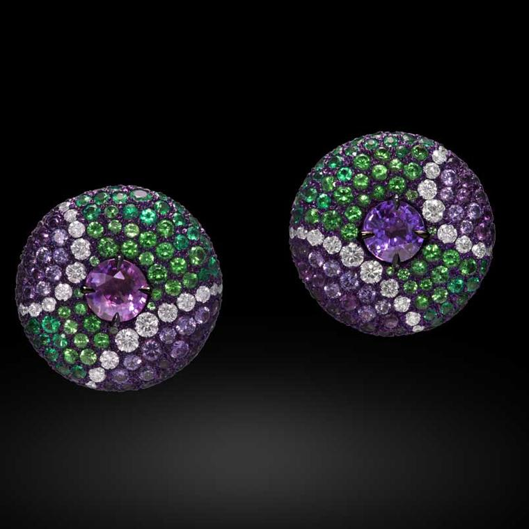 Carnet emerald, amethyst and garnet earrings