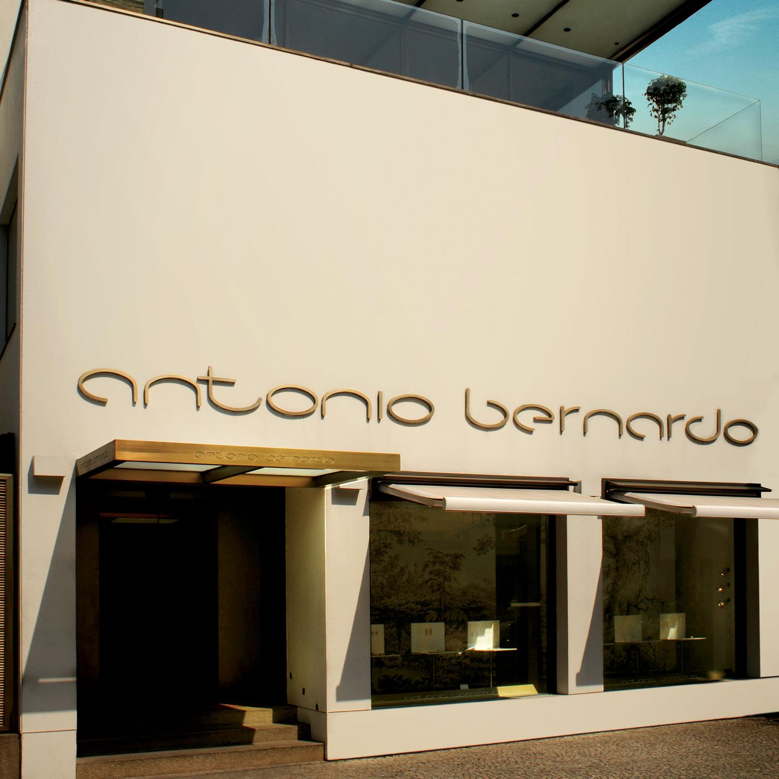 Antonio Bernardo boutique
