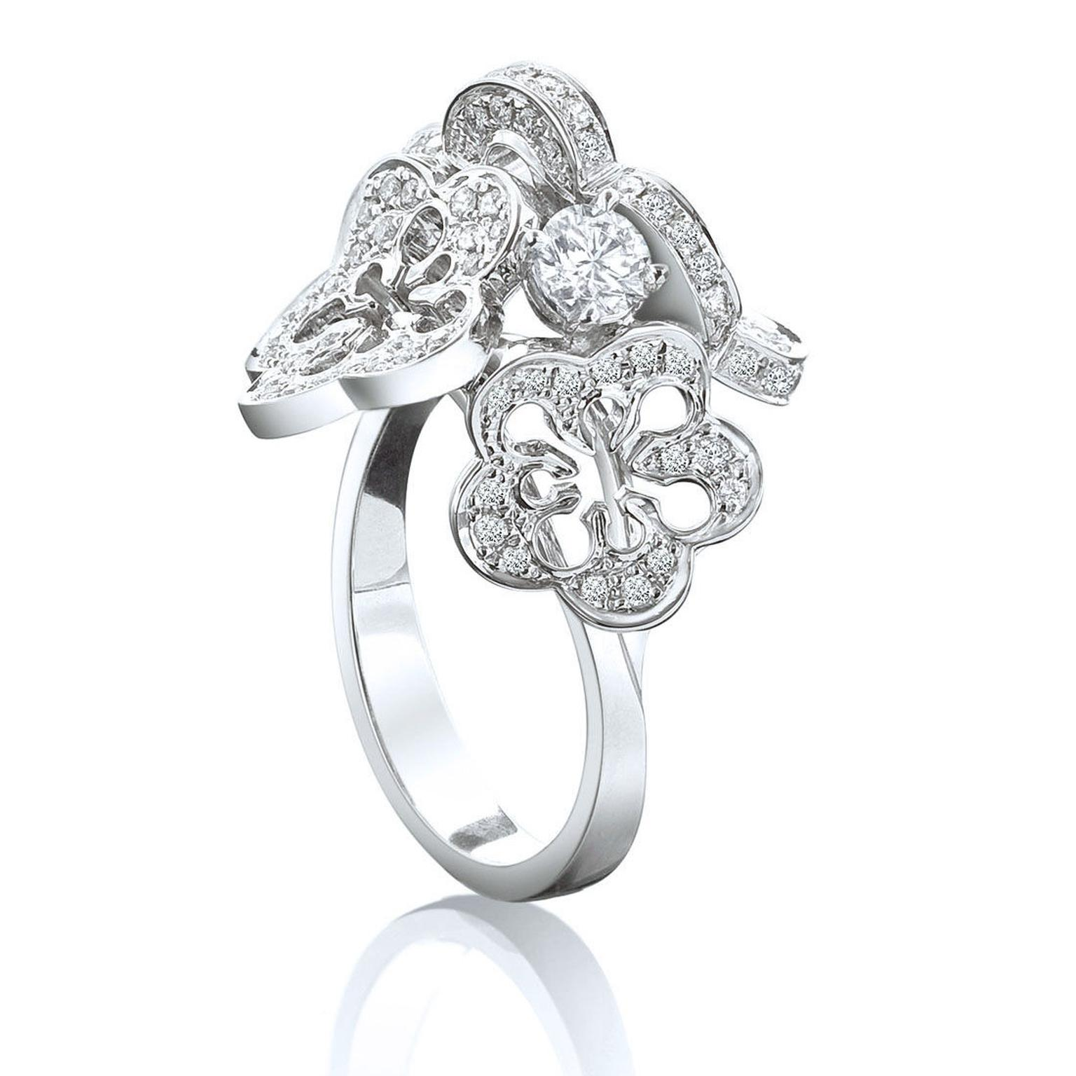 Boodles cluster ring in white gold and diamonds