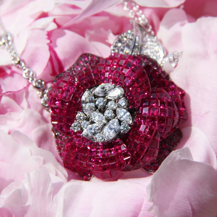 Stenzhorn Rose Red high jewellery necklace