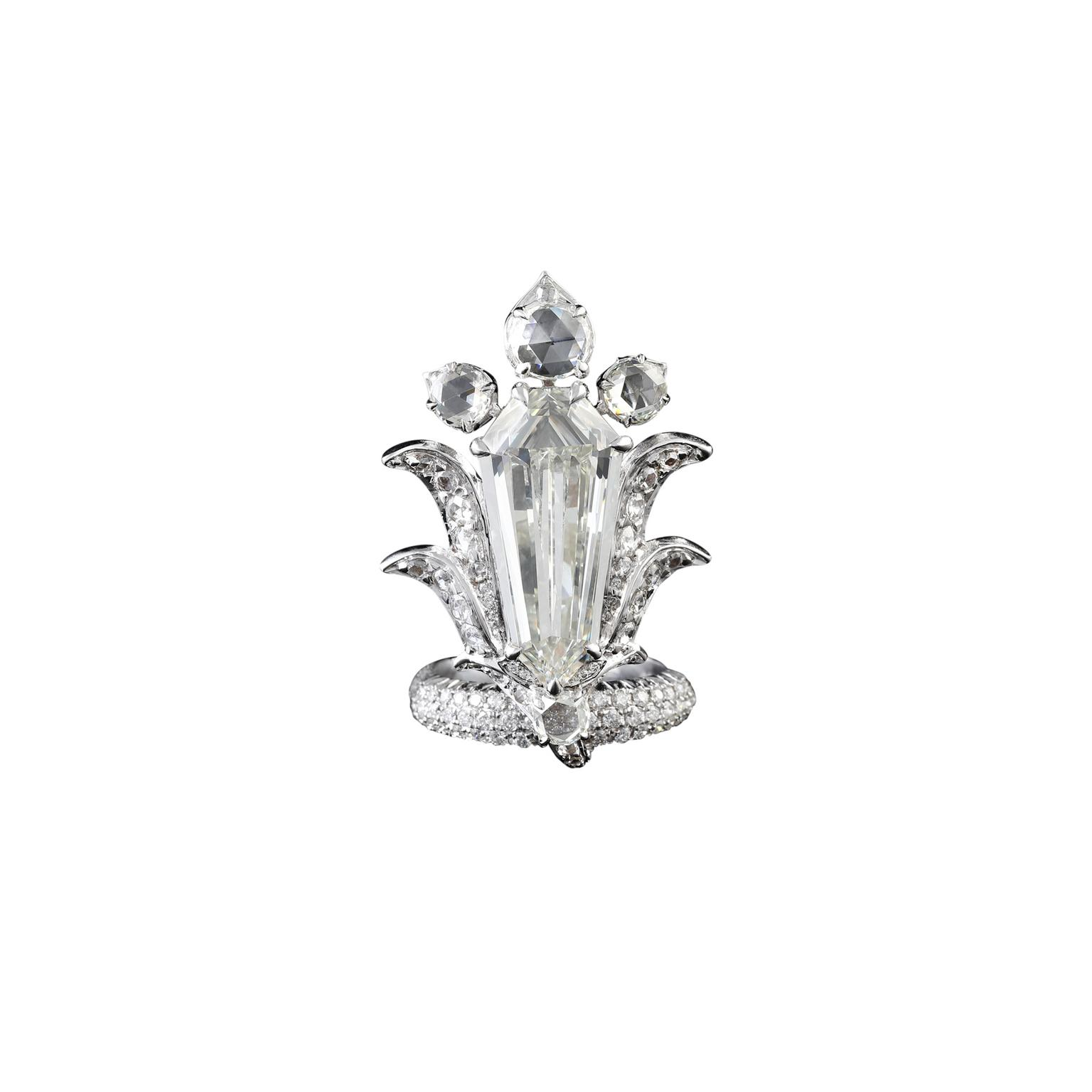 VAK white diamond 8 carat ring