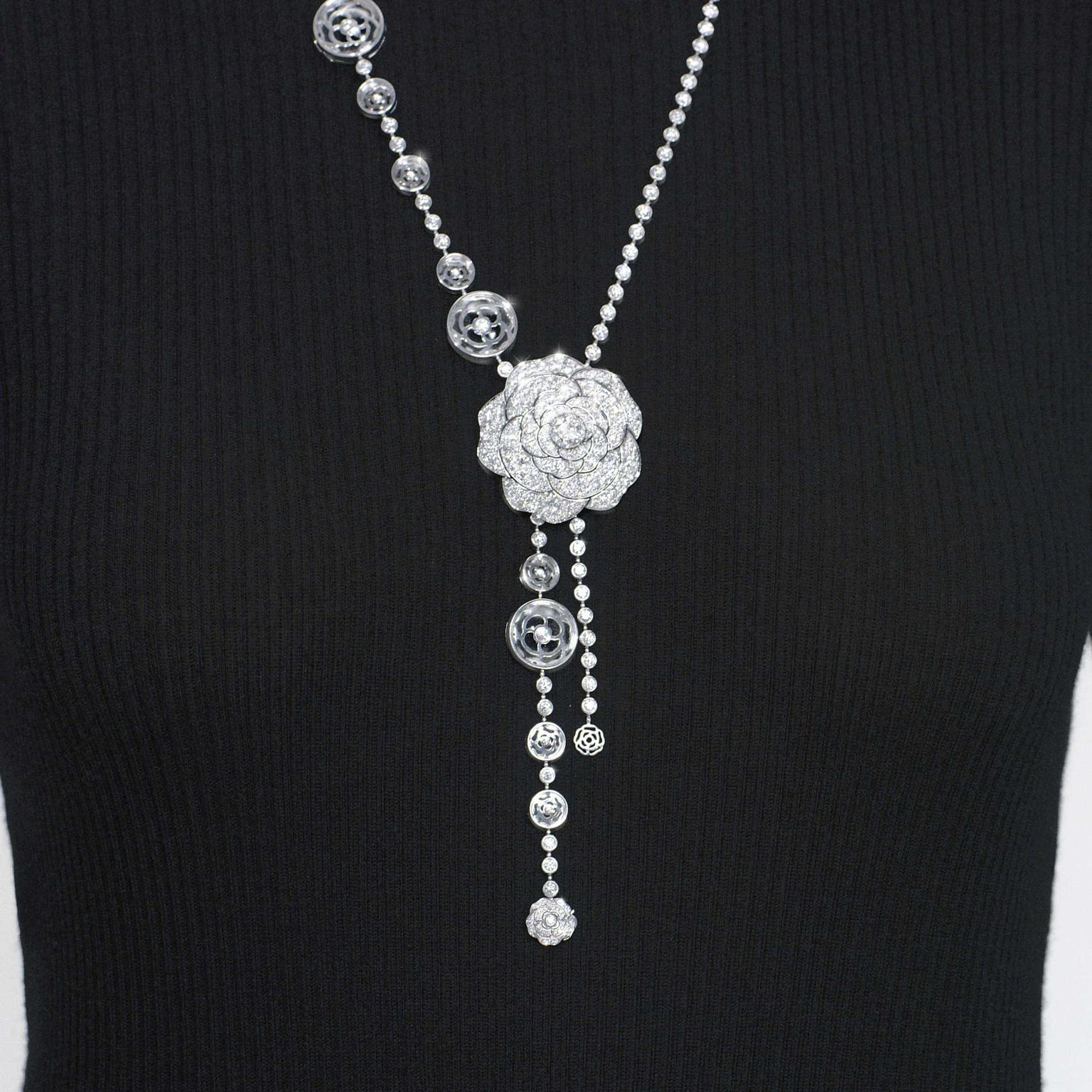 Chanel 1 5 Cristal Illusion white gold and diamond necklace long