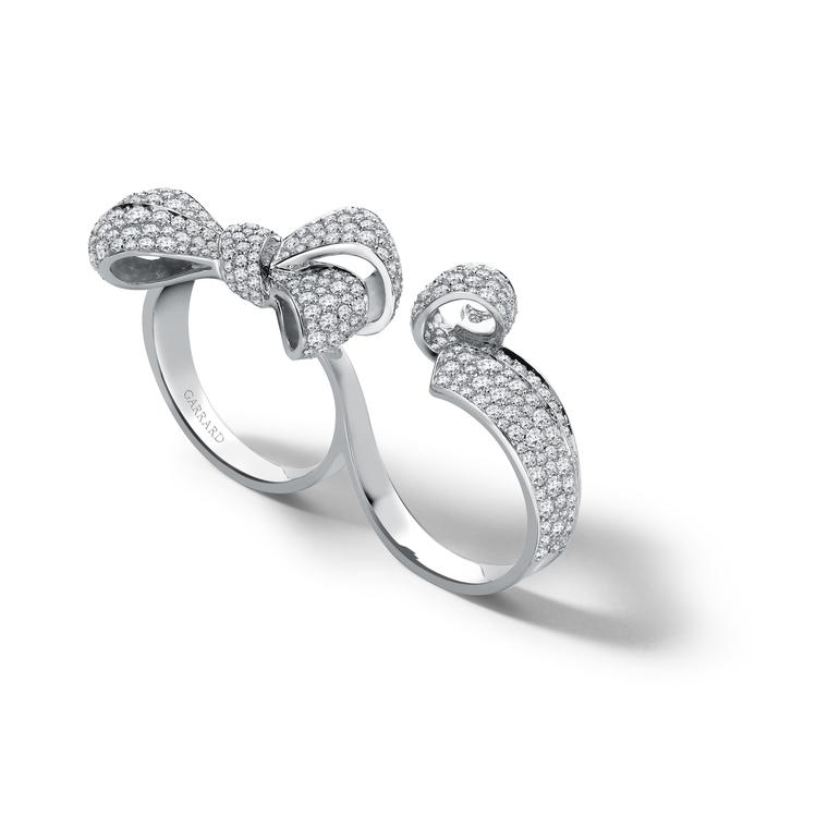 Garrard double-finger bow ring