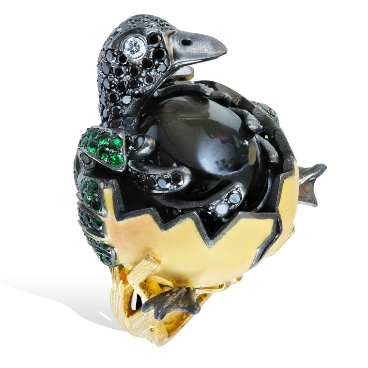 Lydia Courteille Procreation duck hatching from egg ring