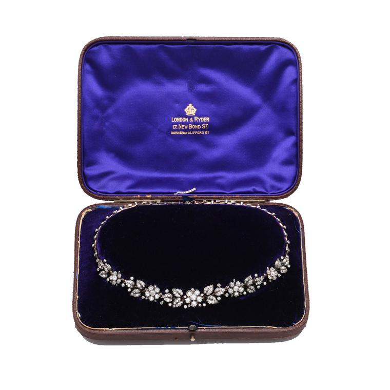 Pat Sailing transformable antique diamond necklace in box