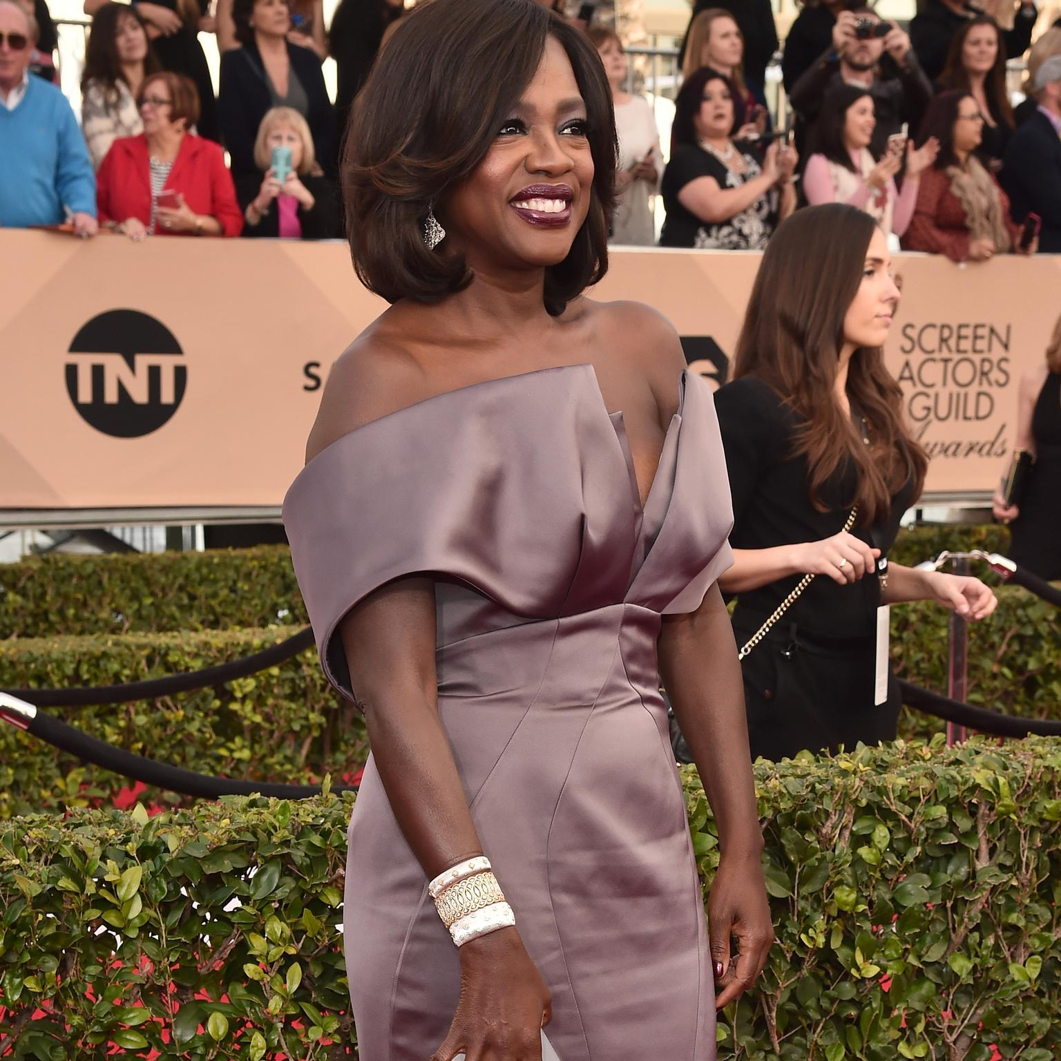 Viola Davis wearing Buccellati red carpet jewelry
