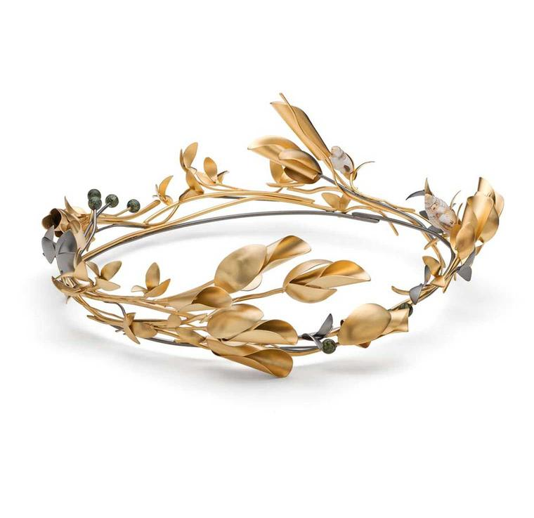 Style up your wedding day with these creative bridal tiaras