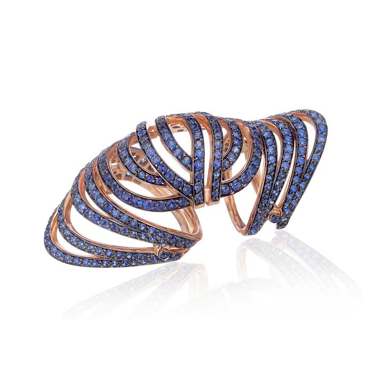 Lily Gabriella Infinitas sapphire along the finger ring