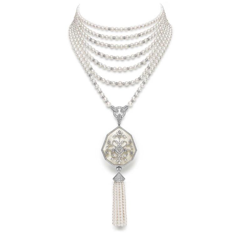 Boucheron Nagaur necklace with pearls and rock crystal