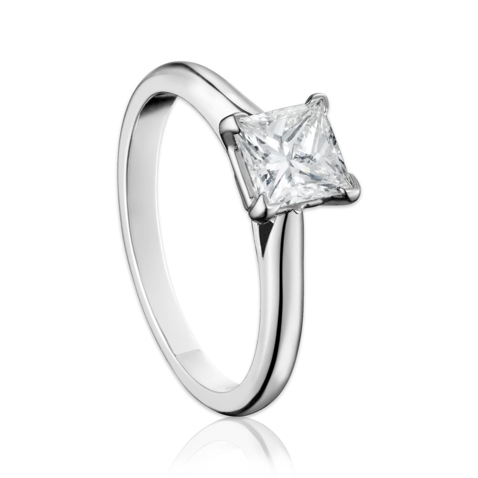 Cartier Solitaire 1895 princess-cut engagment ring in platinum