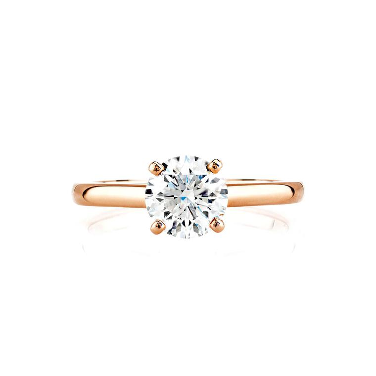 Claw-set Classic De Beers engagement ring