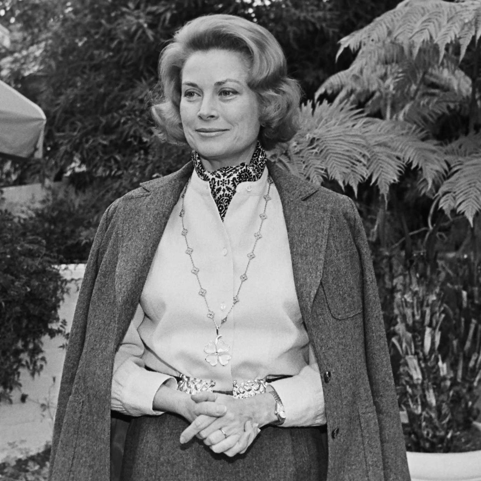 Grace Kelly wearing Van Cleef Arpels Alhambra necklace with large four leaf clover