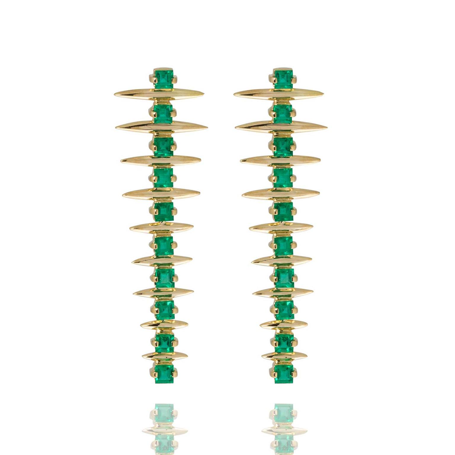 Carla Amorim emerald Fern earrings in yellow gold
