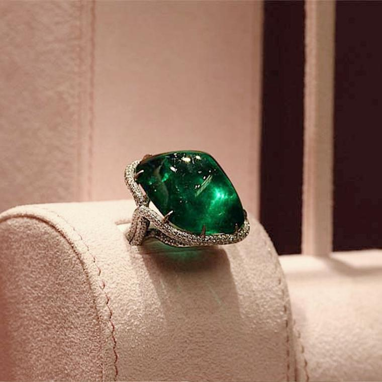 David Morris is known for their exceptional stones, from diamonds to coloured stones such as sapphires, emeralds and rubies.
