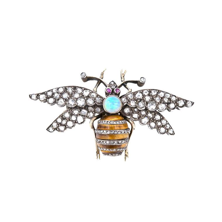 Lang Antiques vintage bee brooch