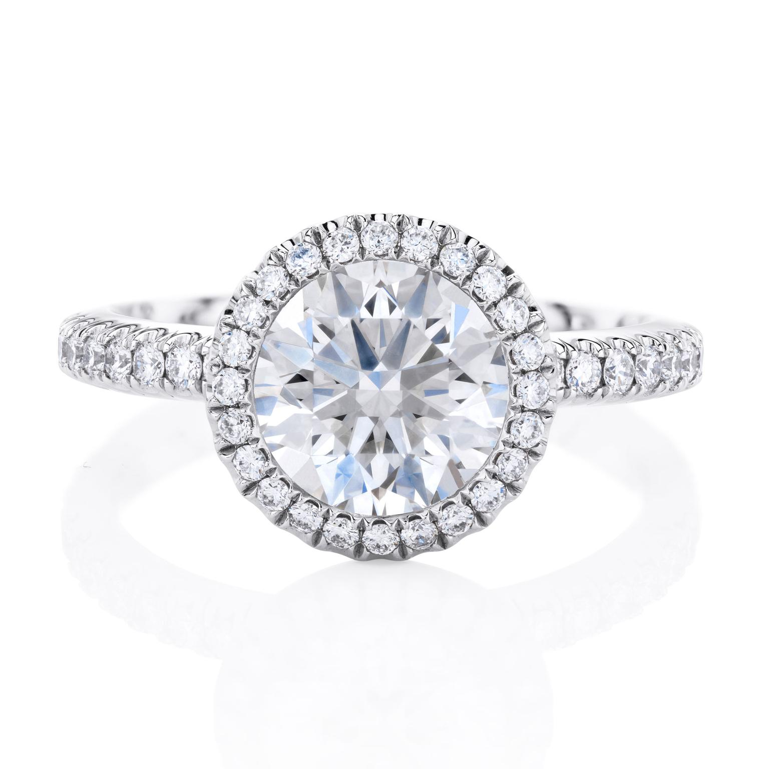 De Beers Aura 1.5ct diamond engagement ring in platinum