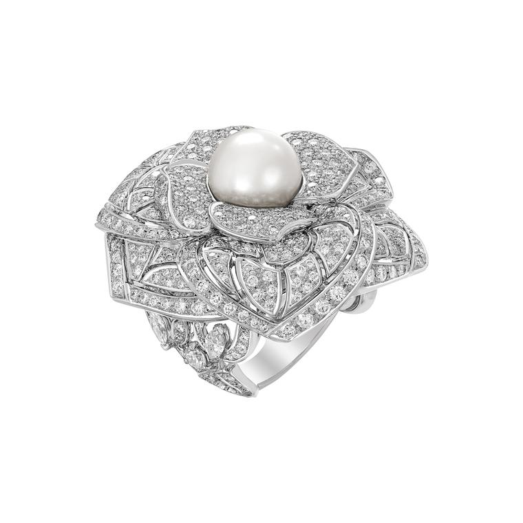 Chanel Bague Camelia Solaire ring